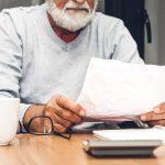 Homme calcule pension réversion